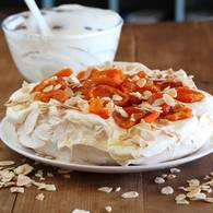 Pavlova_with_dried_apricots_and_almonds