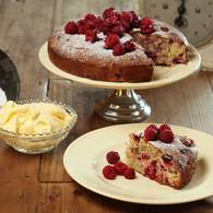 Fresh_raspberry_cake_with_sangiovese_verjuice_syrup