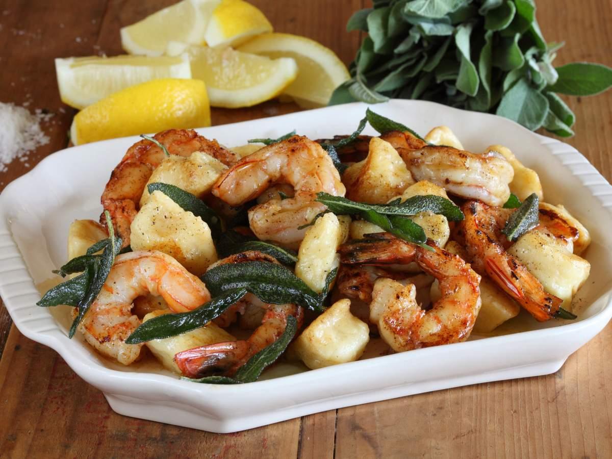 Potato gnocchi with prawns