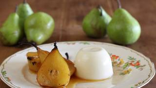 Verjuice_panna_cotta_with_verjuice_roasted_pears