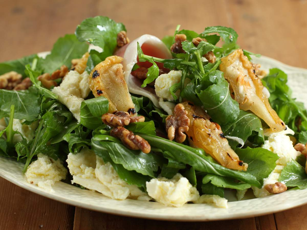 Approved_fior_di_latte_grilled_pear_rocket_salad_1