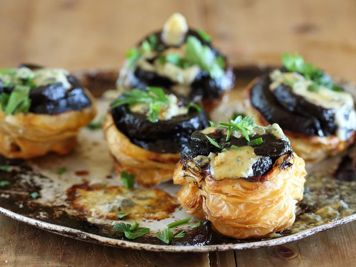 Approved beetroot and gorgonzola tartes tatin 01