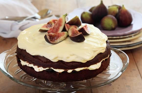 Burnt fig jam cake1