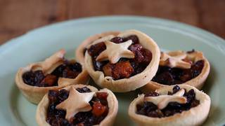 Orchard_fruit_mince_tarts_1_jpeg