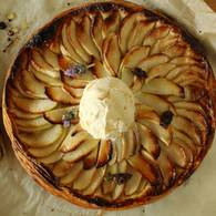 Fine apple tart with honey and lavander icecream 02