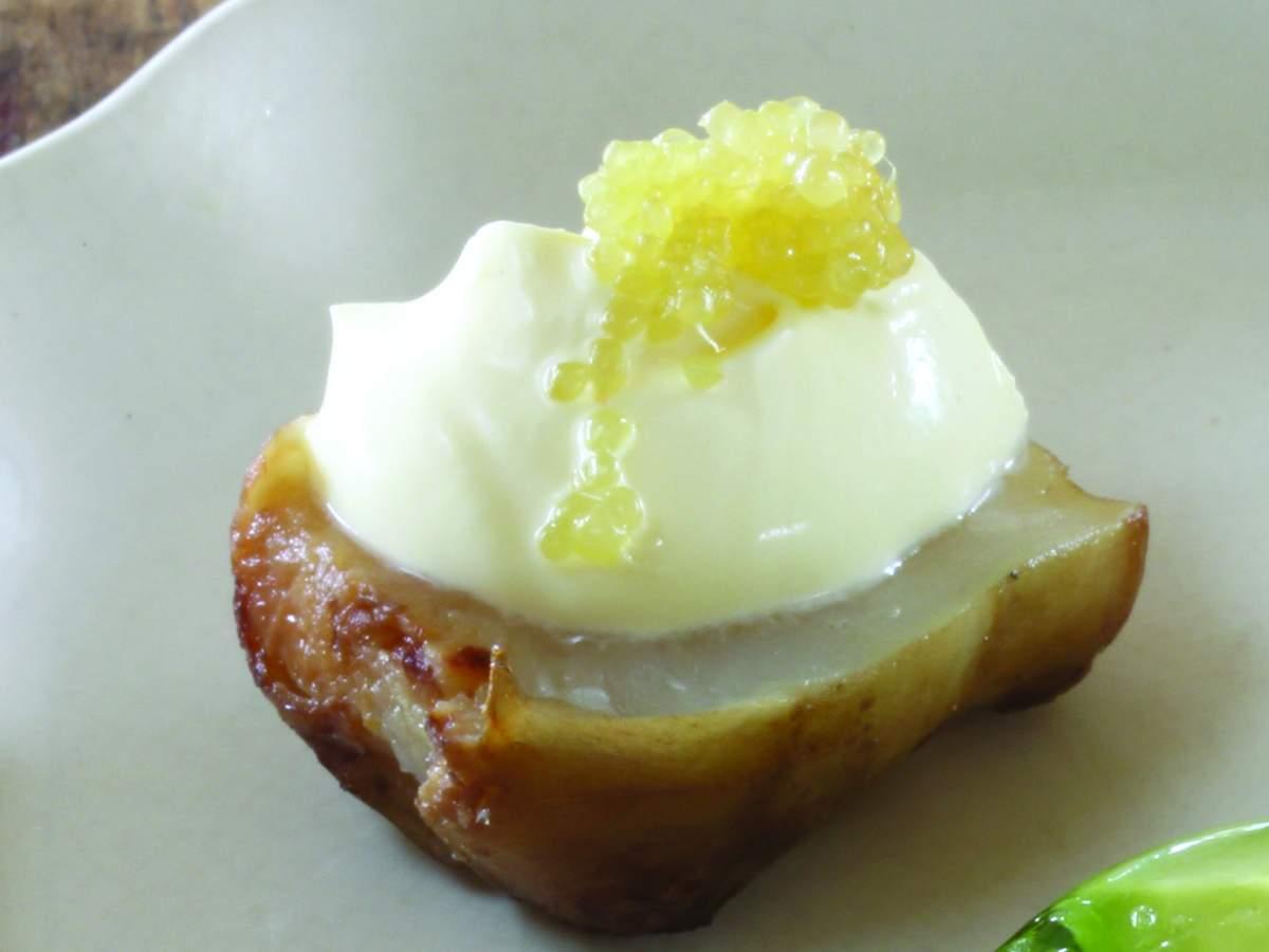 confit jerusalem artichoke with cr 232 me fraiche dessert finger lime maggie