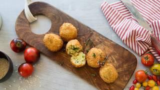 Mozzarella and pea arancini step 4 serving