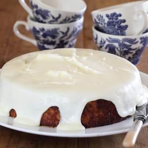 Bitter orange cake with verjuice icing