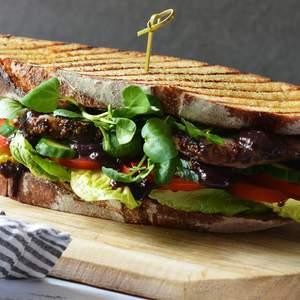 Steak sandwich 4
