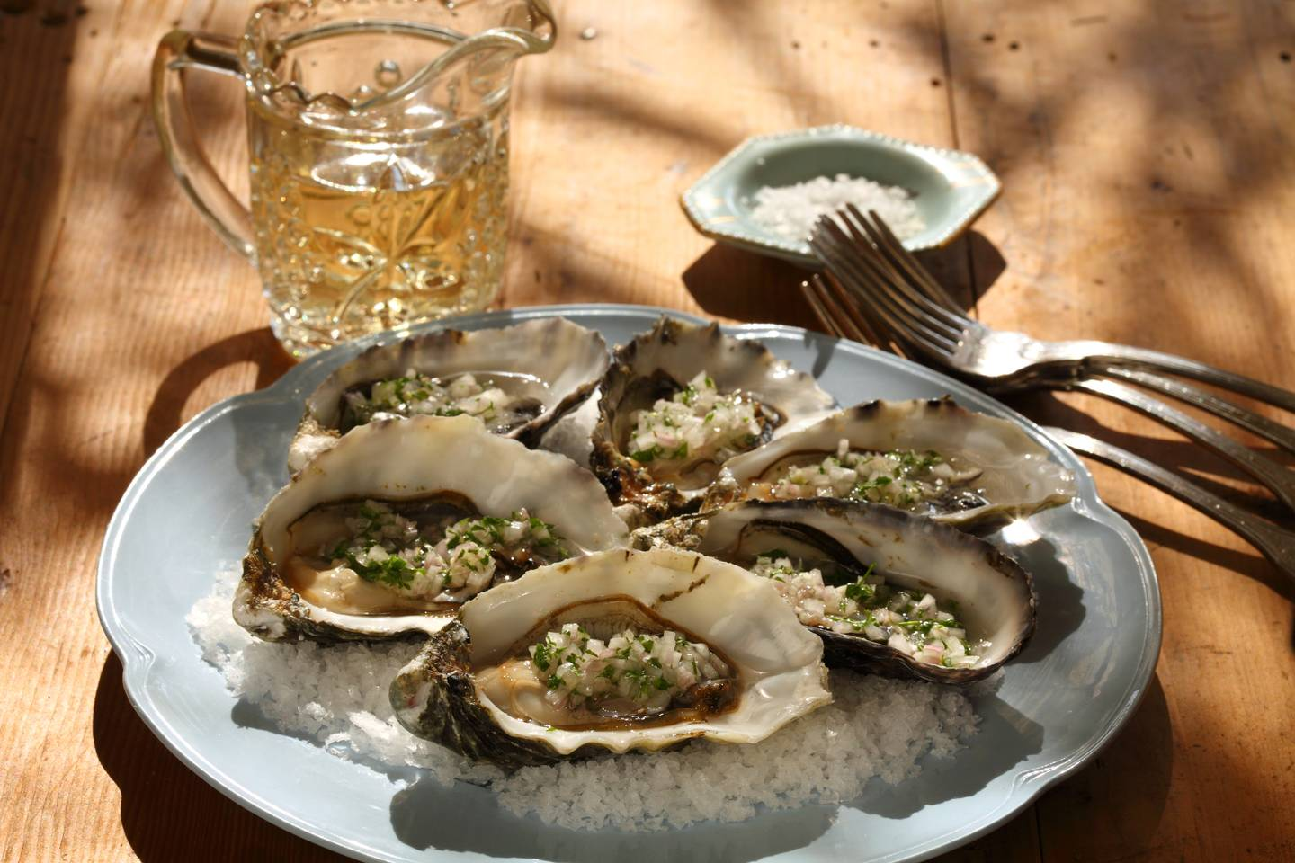 Oysters with eschallots and verjuice