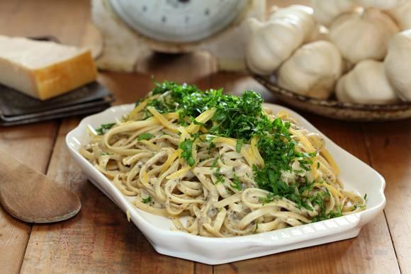 Porcini mushroom and verjuice linguine