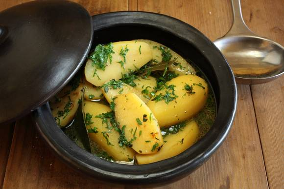 Braised waxy potatoes
