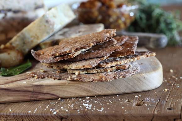 Buckwheat walnut flatbread 03