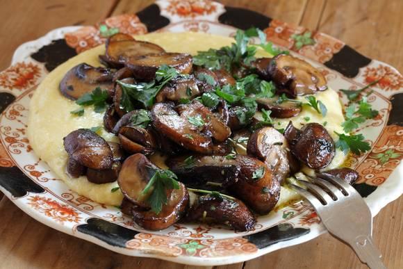 Soft polenta mushrooms 03