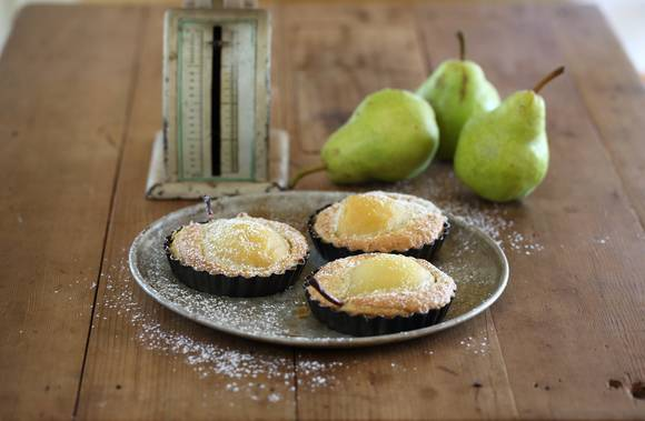 Pear and almond tarts 4