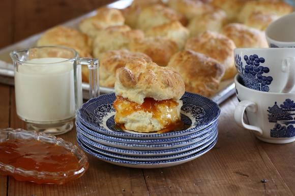 Scones with apricot jam 3