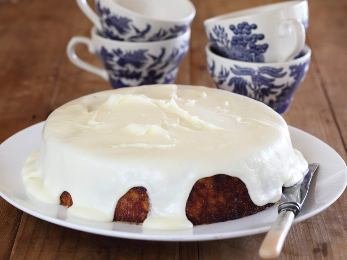 Bitter orange cake with verjuice icing