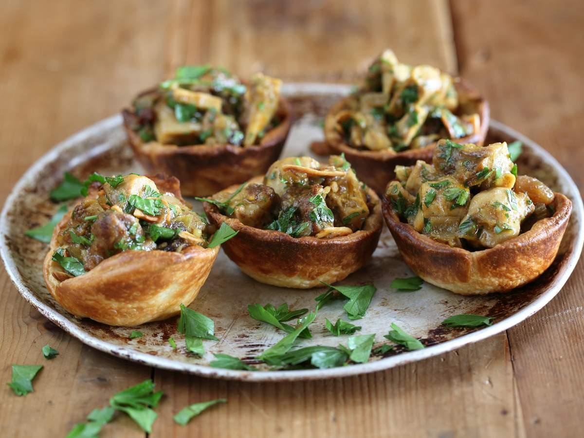 Moroccan chicken and raisin tarts 2