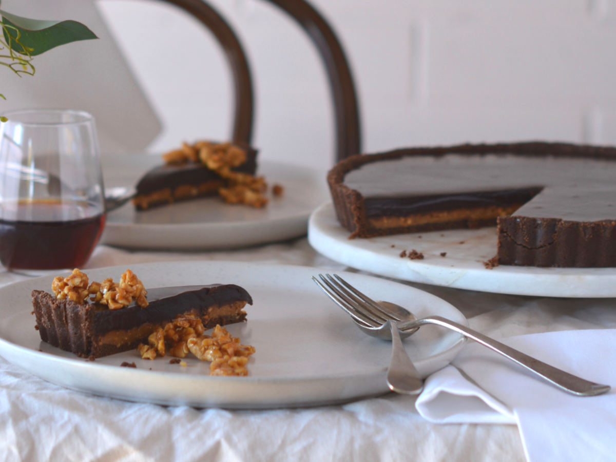 No bake chocolate peanut caramel tart 2