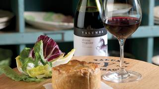 Barossa chook pie yalumba shiraz viognier 00481 300 rgb.jpg