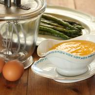 Asparagus with verjuice hollandaise