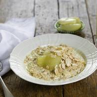 Porridge with poached pears in verjuice
